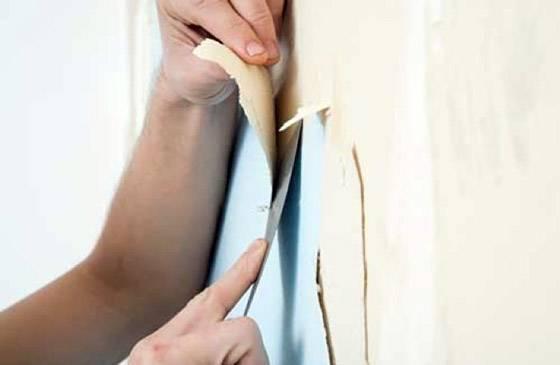 Как легко оторвать обои от стены