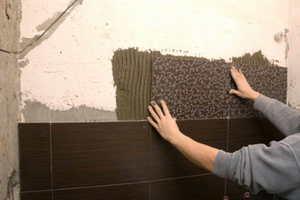 Как правильно начинать класть плитку в ванной