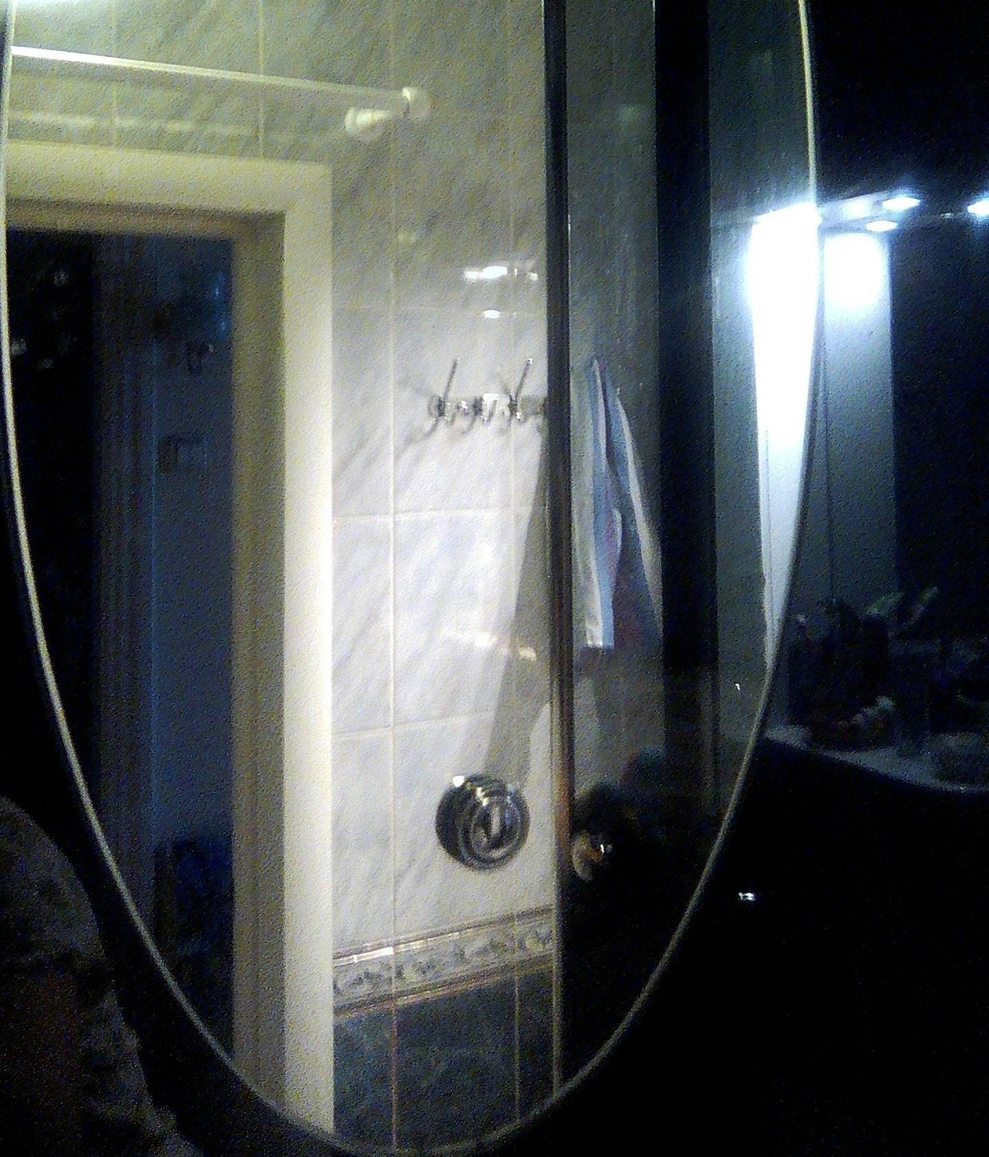 Как разрезать зеркало стеклорезом