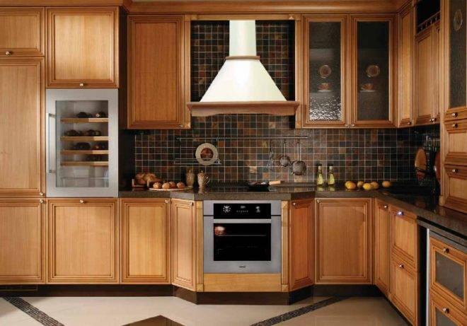 Как крепится подвесная вытяжка на кухне