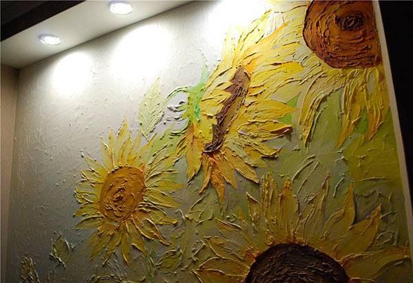 Рисунки из шпаклевки на стене