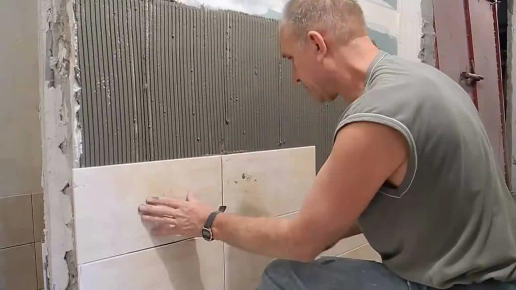 Подготовка стен к поклейке обоев в новостройке