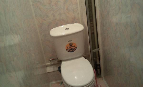 Обшить туалет пластиковыми панелями видео