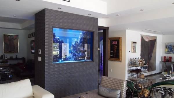 Дизайн гостиной с аквариумом