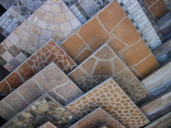 Чем отличается керамическая плитка от кафельной