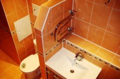 Как закрыть счетчики воды в туалете фото