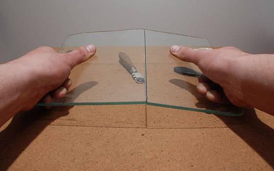 Как разрезать стекло стеклорезом видео