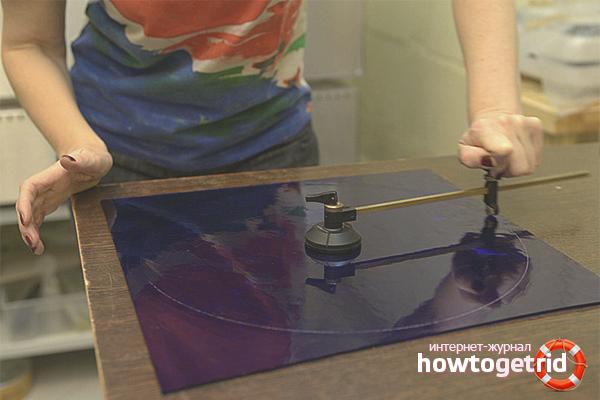 Резка стекла стеклорезом в домашних условиях