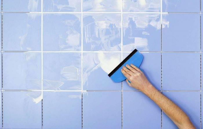 Плитка на потолке в ванной