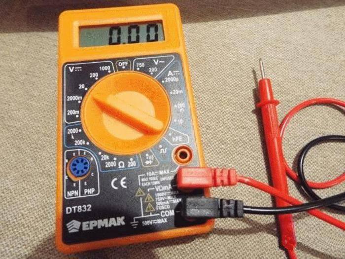 Работа дома с мультиметр dt830b