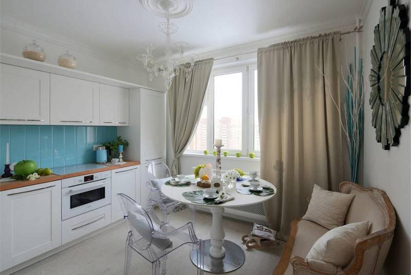 Потолок на кухне дизайн фото
