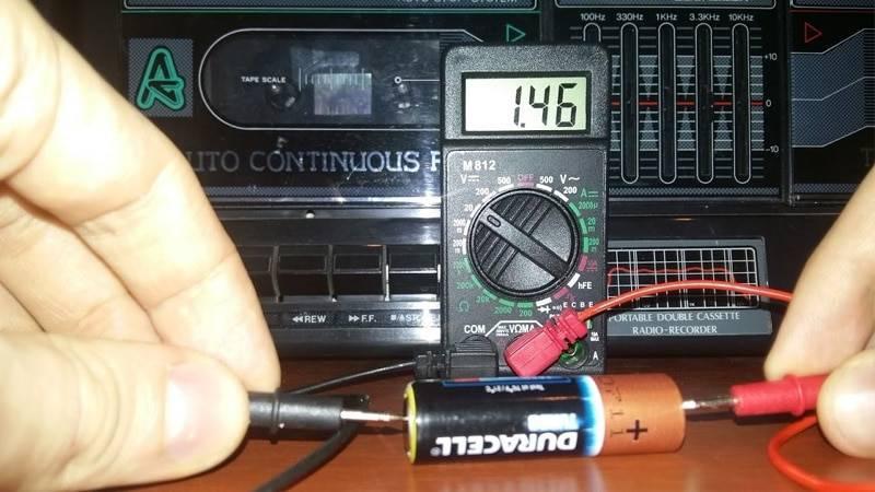 Как пользоваться вольтметром в автомобиле