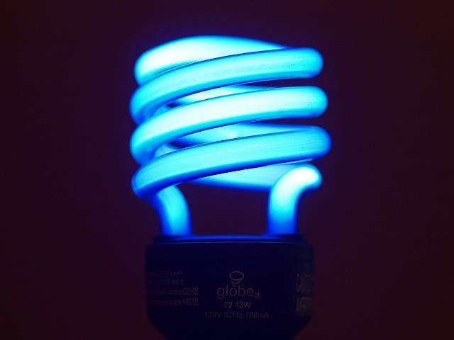Разбилась энергосберегающая лампочка опасно ли это