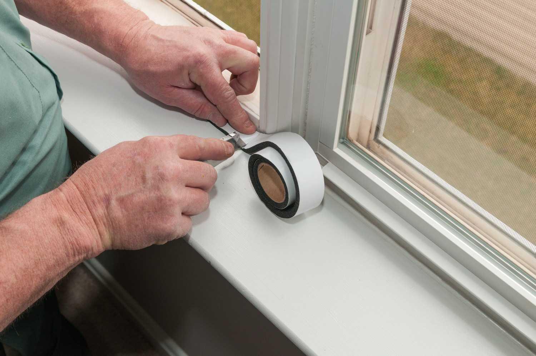 Как утеплить окна в частном доме