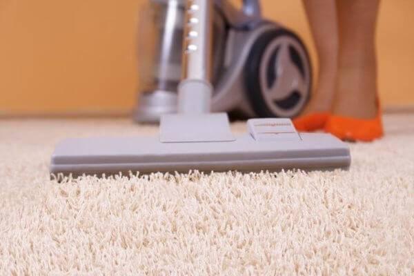Как почистить ковровое покрытие в домашних условиях